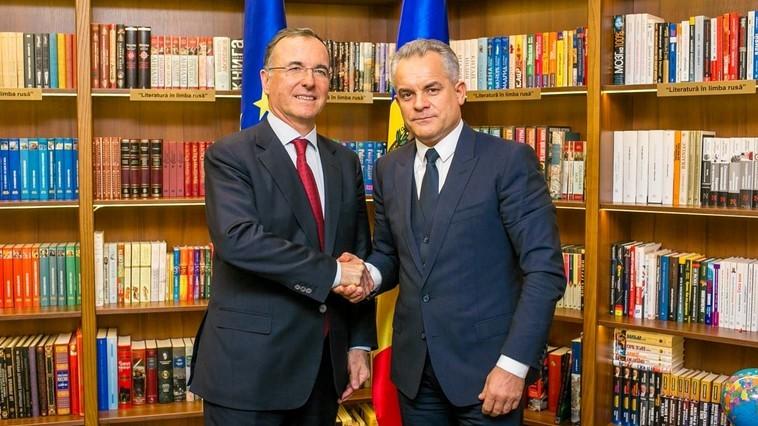 Pro-Moldova, adică pro-Rusia. Chișinăul înjunghie Kievul sub oblăduirea Moscovei
