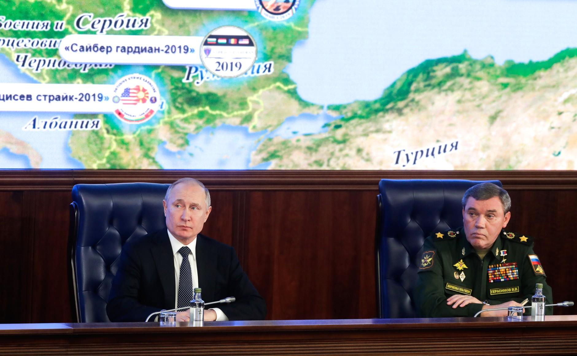 10 de ani de Rusia: o scurtă recapitulare a decadei hibride
